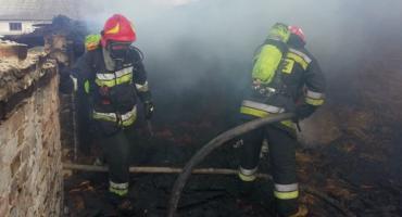 Strażacy gasili pożar budynku w Ciechanowie [zdjęcia]