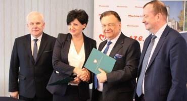 W centrum Ciechanowa stanie nowy budynek administracyjny - relacja wideo