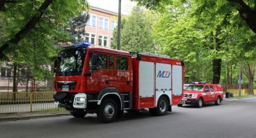 AKTUALIZACJA: Alarmy bombowe w szkołach w Ciechanowie i Gołotczyźnie [zdjęcia]