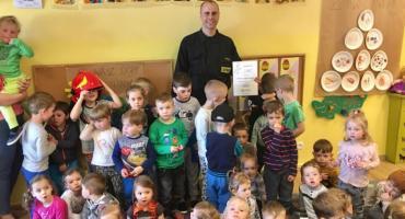 Strażak z wizytą u przedszkolaków z Ciechanowa [zdjęcia]