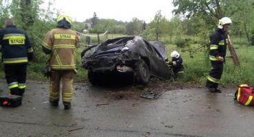 Wypadek Rovera w gm. Sońsk. W środku trzy osoby [zdjęcia]