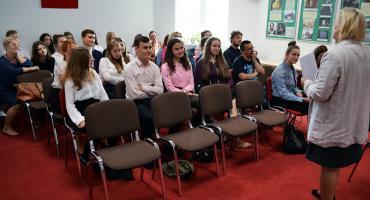 Młodzież recytowała Skamandrytów. Poznaliśmy laureatów konkursu powiatowego [zdjęcia]