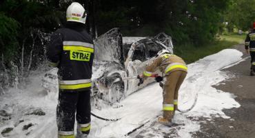 Kolizja i pożar auta. Kierująca ukarana [zdjęcia]