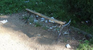 Ławki na Kanałach w opłakanym stanie [zdjęcia]