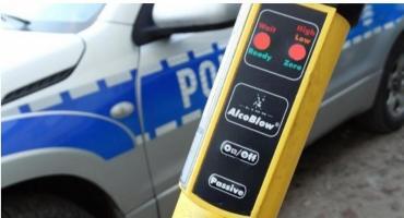 Policjanci z Ciechanowa dwukrotnie zatrzymali tego samego pijanego kierowcę