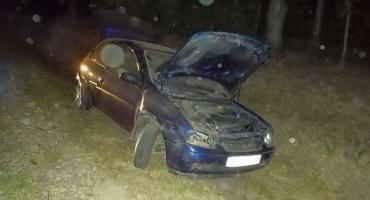 Gmina Regimin: Opel w rowie, kierowca kompletnie pijany