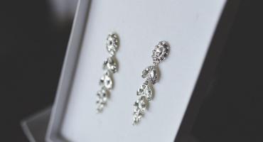 Masz problem z prezentem dla miłośniczki dobrej biżuterii? Podpowiadamy!