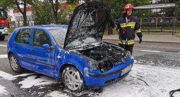 Pożar osobówki na ul. Pułtuskiej [zdjęcia]