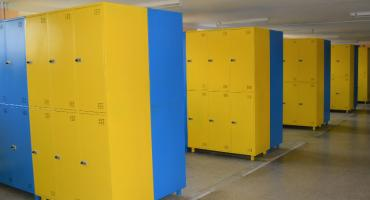 W kolejnej szkole z Ciechanowa pojawiły się szafki na uczniów