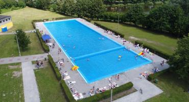 Piłkarski event na ciechanowskim basenie