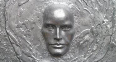 """Wernisaż rzeźby """"Źródło"""" w Ciechanowie"""