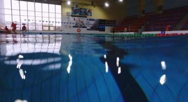 Wakacje na kąpieliskach w Ciechanowie. Więcej osób na krytej pływalni niż basenie odkrytym