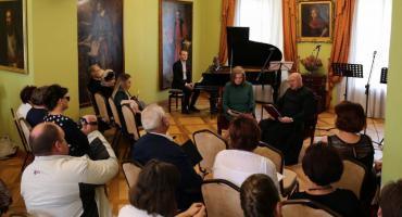 Narodowe Czytanie w Muzeum Romantymu w Opinogórze [zdjęcia]