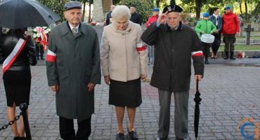 Mieszkańcy Ciechanowa oddali hołd poległym i pomordowanym na Wschodzie [fotorelacja]