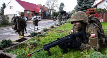Na ulicach Regimina pojawiły się wojskowe patrole [zdjęcia]