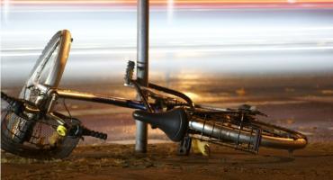Uderzył w samochód. Pijany rowerzysta zatrzymany w Ciechanowie