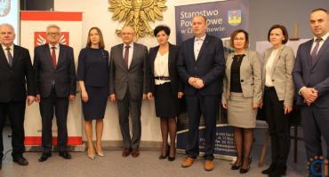 Umowa na dokumentację nowego budynku Starostwa w Ciechanowie podpisana [zdjęcia]