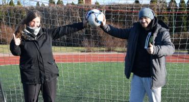 Futbol zmienił ich życie. Reprezentacja Polski zagra pod Toruniem