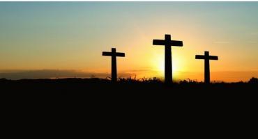 Starcie dobra ze złem podczas Misterium Męki Pańskiej w Grębocinie