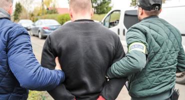 Elitarna jednostka policji z dużą akcją w Toruniu. Są zatrzymania [FOTO, WIDEO]