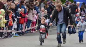 Rodzice z dziećmi pobiegli dla zdrowia na Run Toruń dla dzieci [FOTO]
