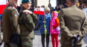 Mnóstwo torunian uczciło święto Konstytucji 3 maja [FOTO]