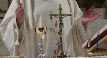 """""""Tylko nie mów nikomu"""". Biskup senior Andrzej Suski odpowiada na zarzuty"""