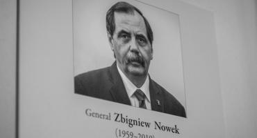 Województwo w symboliczny sposób uhonorowało pamięć opozycjonisty Zbigniewa Nowka [FOTO]