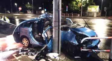 Groźny wypadek na Szosie Chełmińskiej. Bohaterska postawa skromnego strażaka spod Torunia