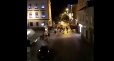 Kibice Elany Toruń przed sądem. Odpowiedzą za bójkę i zdemolowanie Rynku [WIDEO]