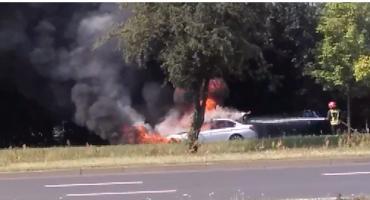 Tak płonęło nieoznakowane policyjne BMW w Toruniu [WIDEO]
