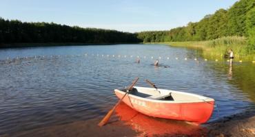 Akcja ratunkowa nad jeziorem w Józefowie. Chłopiec leżał na dnie