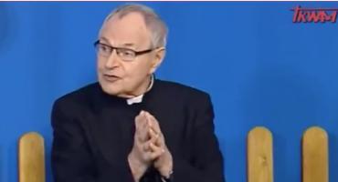 """Ksiądz w TV Trwam tłumaczy dzieciom reformy PiS. """"Czy to nie piękne?"""""""