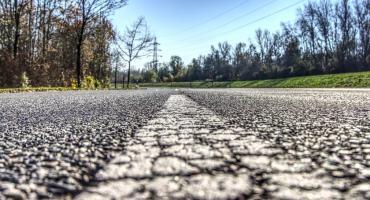Drogi wokół Torunia zyskają nową jakość. Powiat otrzymał z FDS aż 18 mln zł