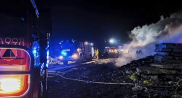 Pożar na miejskim wysypisku w Toruniu. Tak wyglądała akcja strażaków [FOTO]