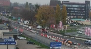 Uszkodzony gazociąg na Żółkiewskiego w Toruniu. Droga jest nieprzejezdna