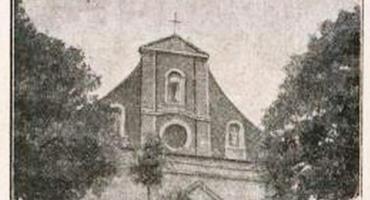 Średniowieczny  kościół w Płonnem
