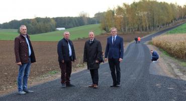 Droga ze Szczutowa na Trąbin oficjalnie oddana do użytku [ZDJĘCIA]